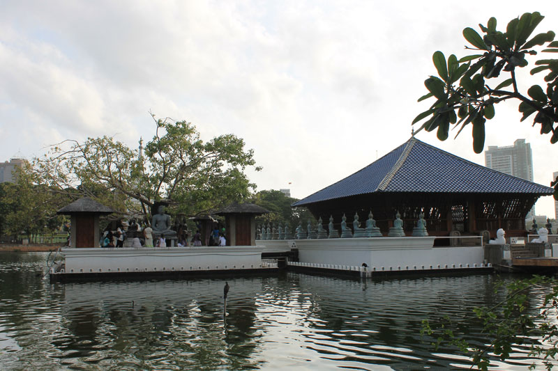 Colombo - Lac Beira - Temple